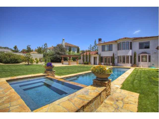 5118 meadows del mar pool