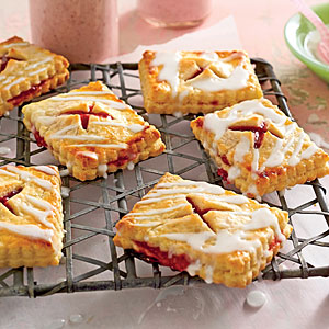 strawberry-rhubarb-tartlets-sl-x