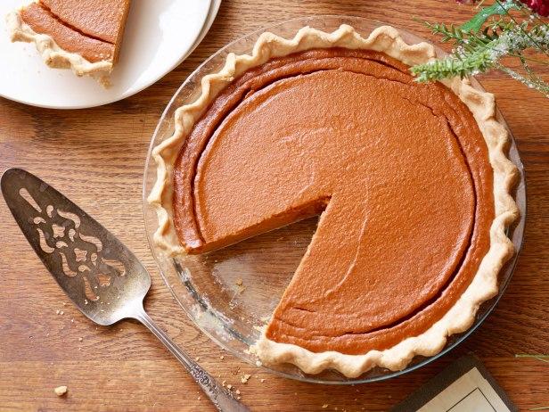 rf0104_from-scratch-pumpkin-pie_s4x3