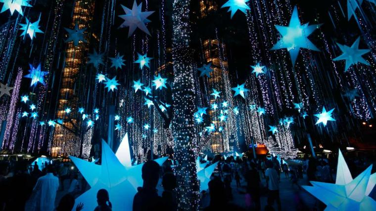 Holiday-light-display-in-Makati-City-Manila-Luzon-Island-Philippines-20121222.jpg