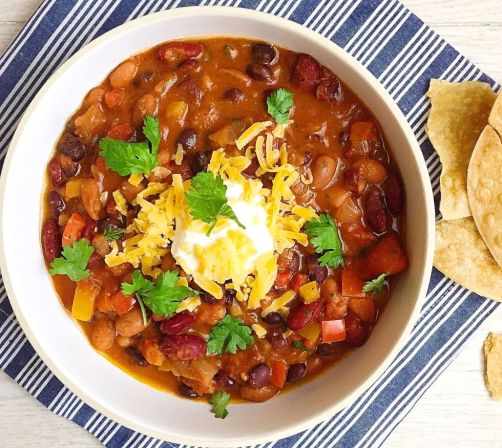 gallery-1442261026-country-crock-veggie-chili